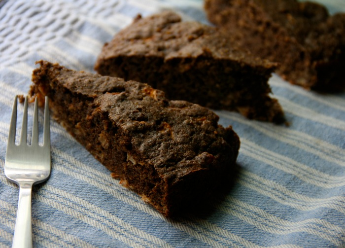 Quinoa Apple Spice Cake
