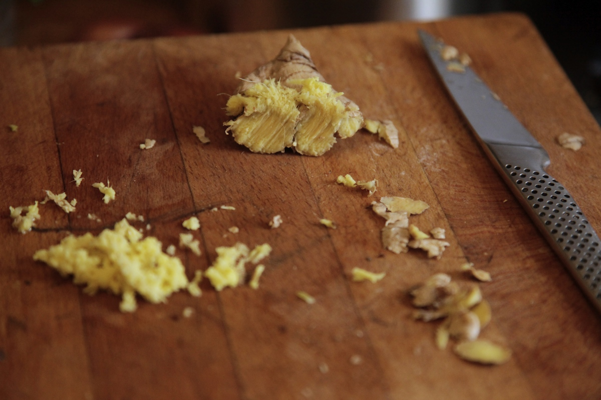 Recipe: Carrot and Apple Almond Cake with Ginger and ...
