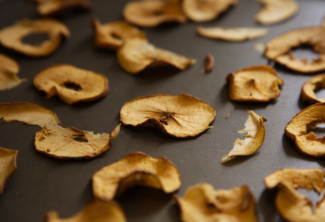 How to Make Dried Apples on Foodie Underground