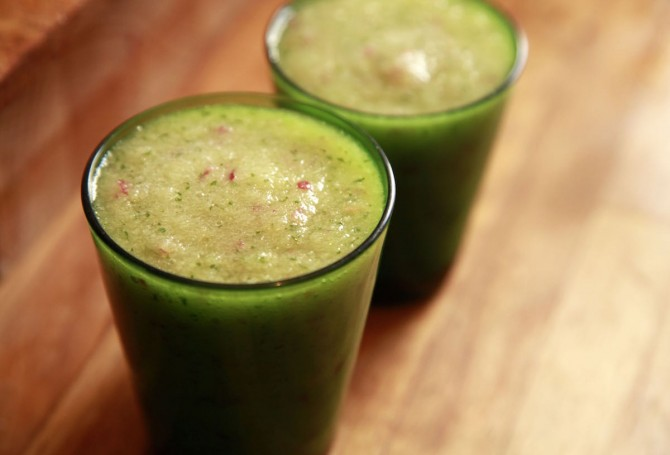 No Recipe Cooking: Apple Cilantro Smoothie on Foodie Underground