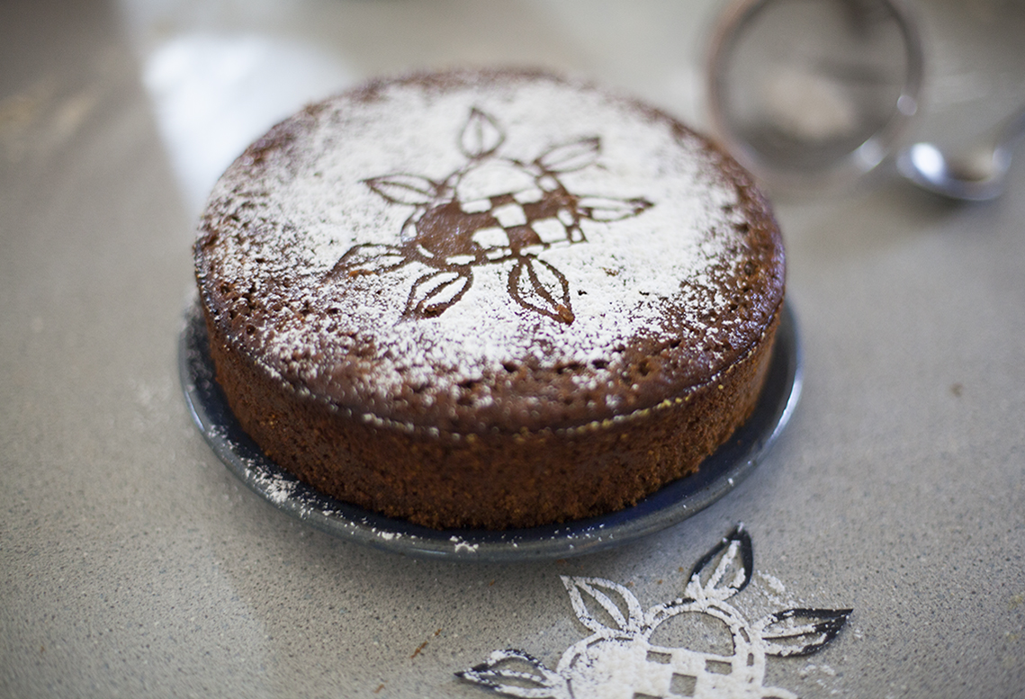 spicy-gingerbread-cake-by-anna-brones