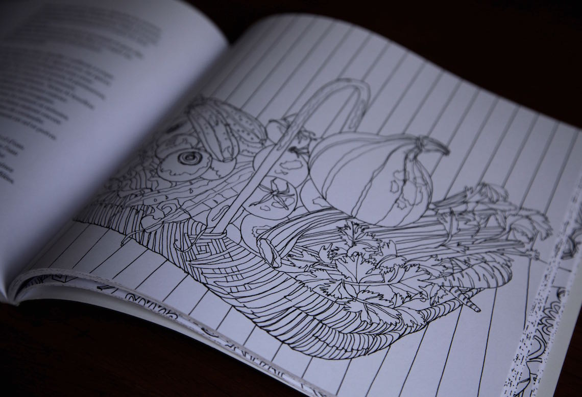 Giveaway: A Seasonal Coloring Cookbook (in French!) // Gagnez un Livre de Cuisine à Colorier